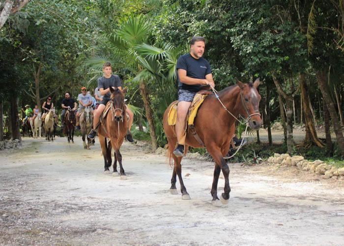 adventure-tours-lomabonita-horsebackriding
