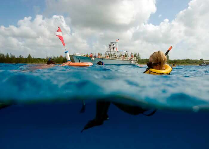 cancun-activities-cozumel-snorkel-boat