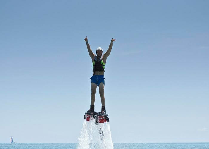 thingstodo-cancun-flyboard