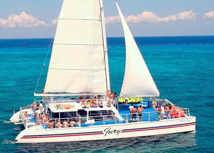 fury-catamaran-tour-snorkel
