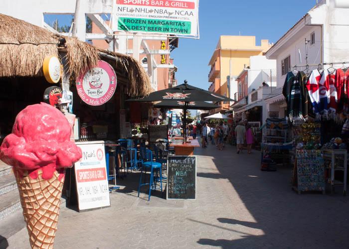 islamujeres-town-playadelcarmen-tour