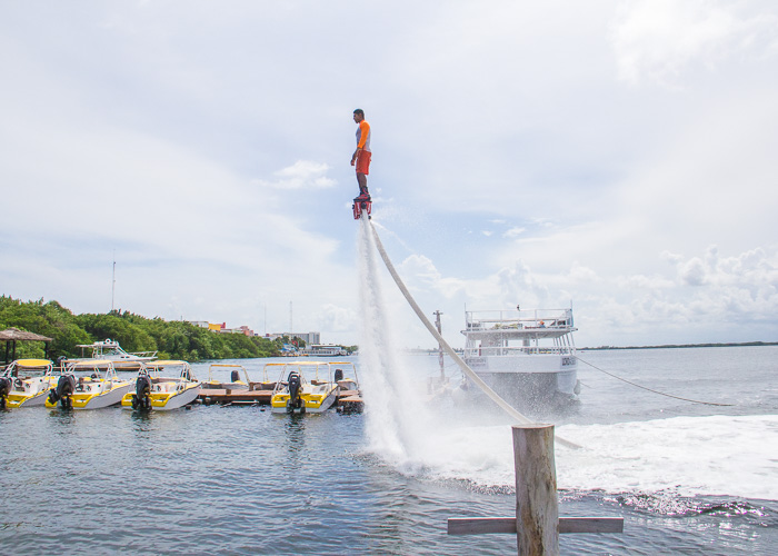adventure-tours-cancun-flyboard