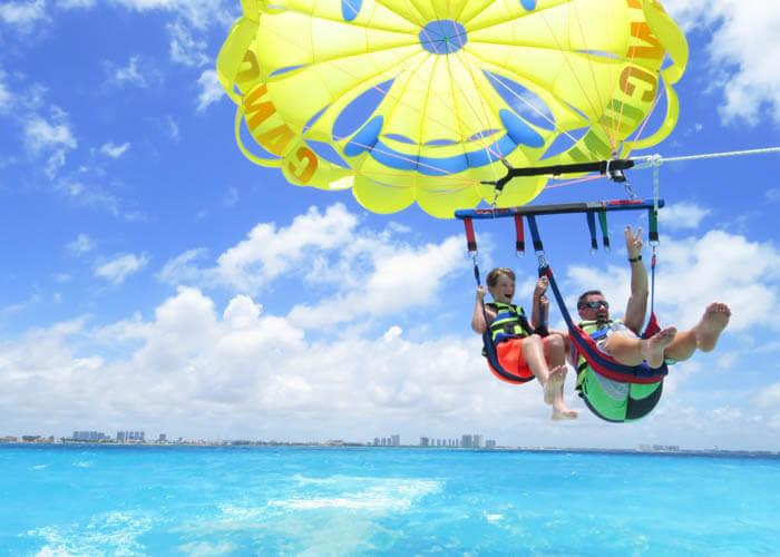 parasailing-cancun-activities