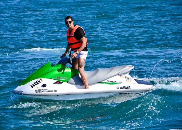 cancuntours-waverunners-parasailing