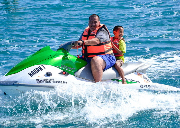 cancun-extreme-activities-waverunners