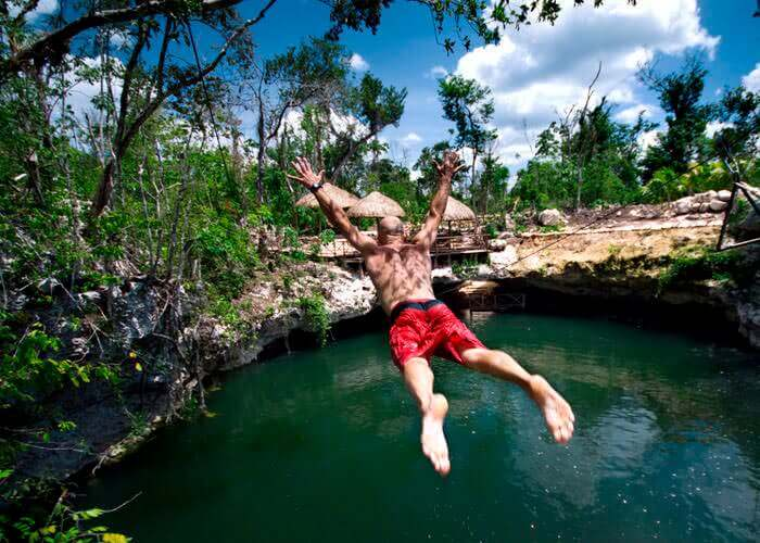 selvatica-adventure-tours-cancun-jump