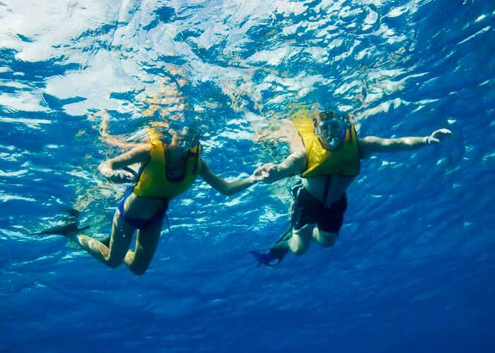 snorkeling-in-cozumel-reefs
