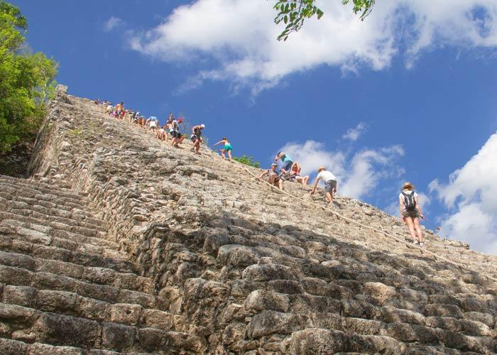 coba-tours-nohochmul-pyramid