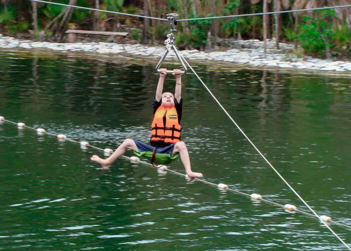 ziplining-tour-cancun-lomabonitapark