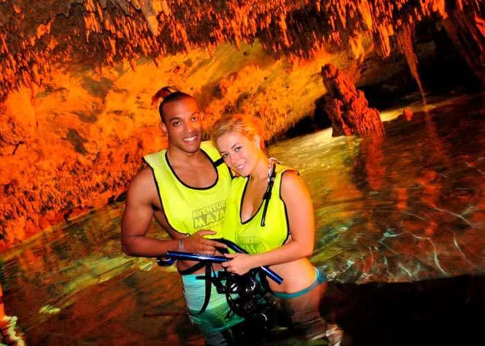 excursion-in-rivieramaya-tulum-cenote-rappel