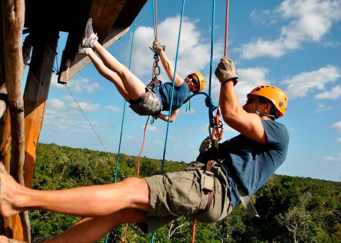 cancun-activities-rappel-and-tulumruins