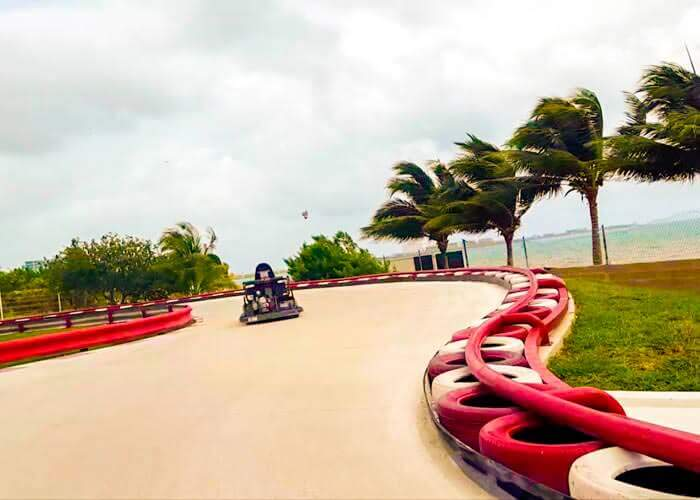 venturapark-cancun-gokarts