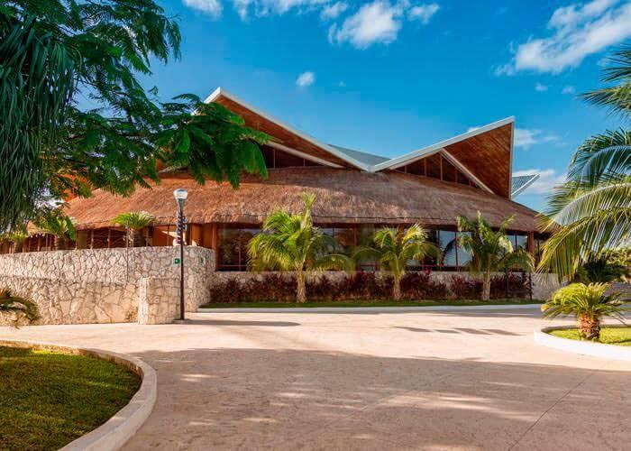wetandwild-cancun-restaurant