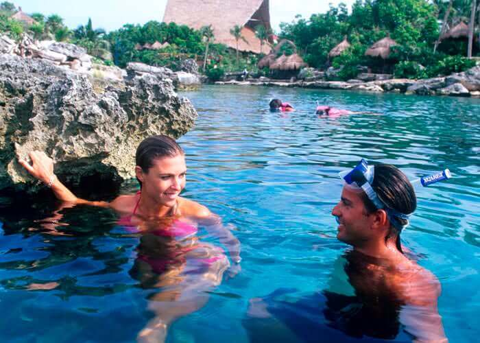 xcaretpark-tour-friends-beach