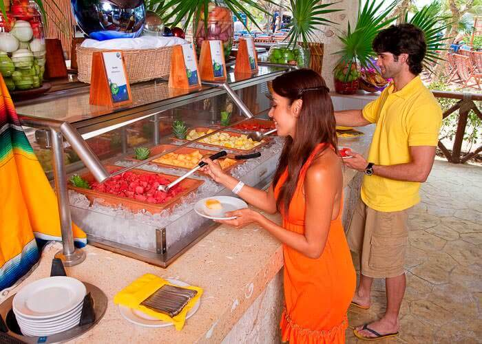 xelha-cancun-tour-breakfast-restaurant