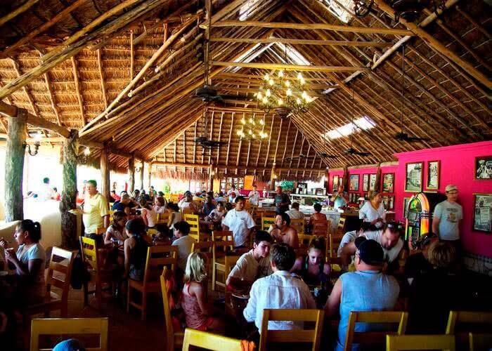 tulum-xelha-tour-restaurant