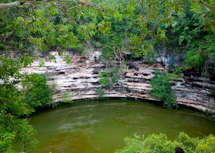 chichen-itza-excursion-cenote