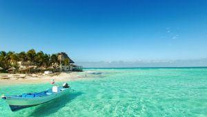Yatch in Cancun