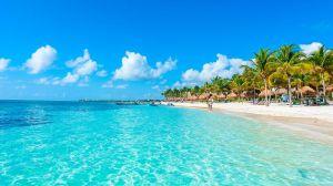 Isla Mujeres Beach perspective