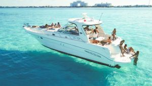 Yacht floating in the cristaline waters of Cancun